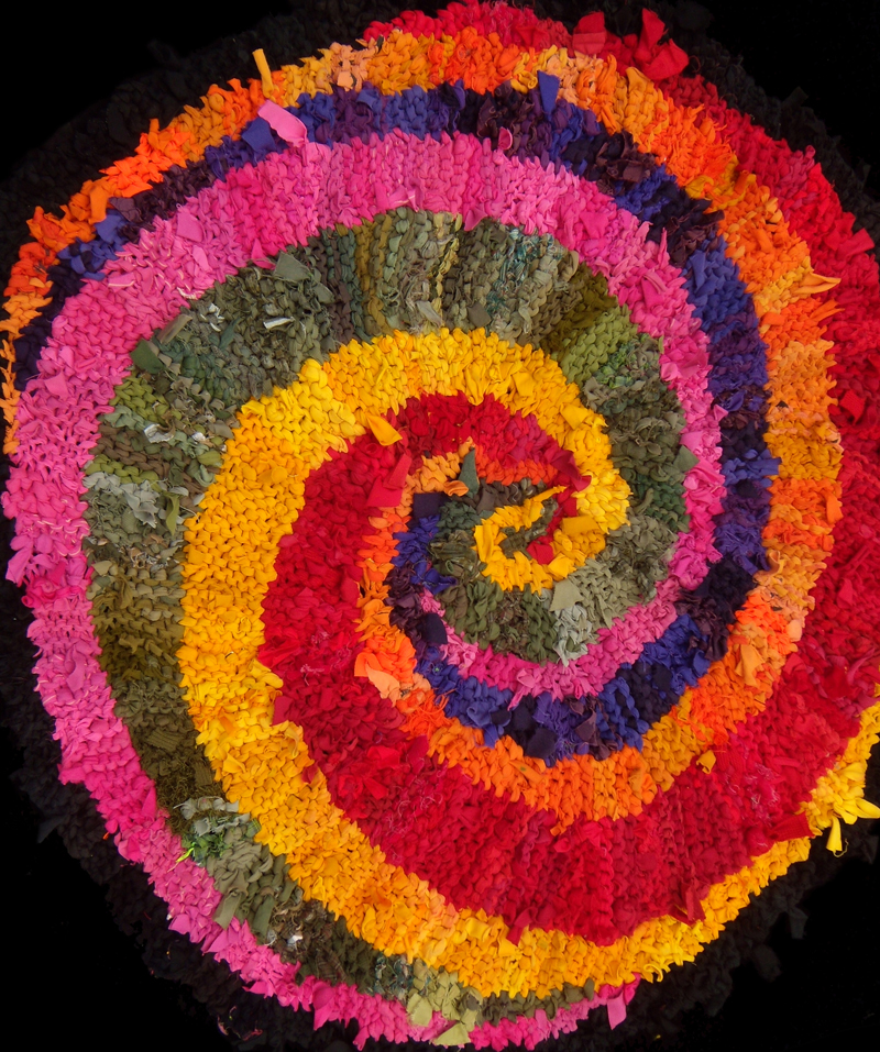Colors of India spiral rug